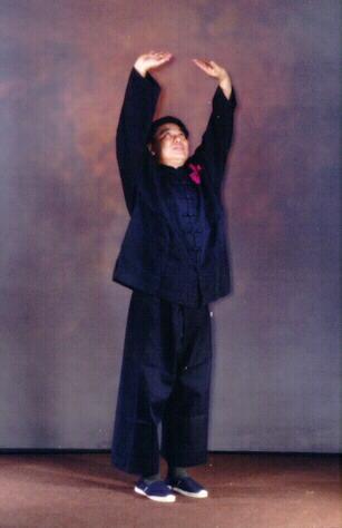 Sifu Wong performing Lifting the Sky